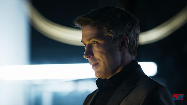 Die TV-Episoden konzentrieren sich hauptsächlich auf den Blickwinkel der Antagonisten und werden mit den realen Schauspielern gedreht.